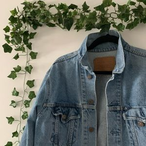 ☆ VINTAGE LEVI'S DENIM JACKET ☆